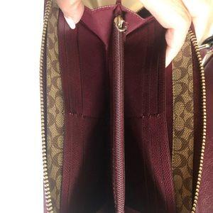 Cross grained leather zippy wallet
